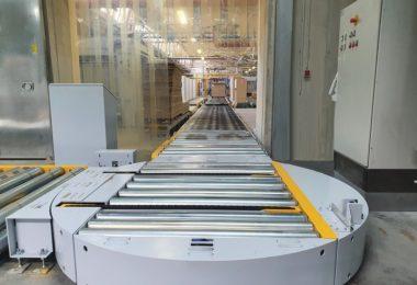 turntable with an angular conveyor